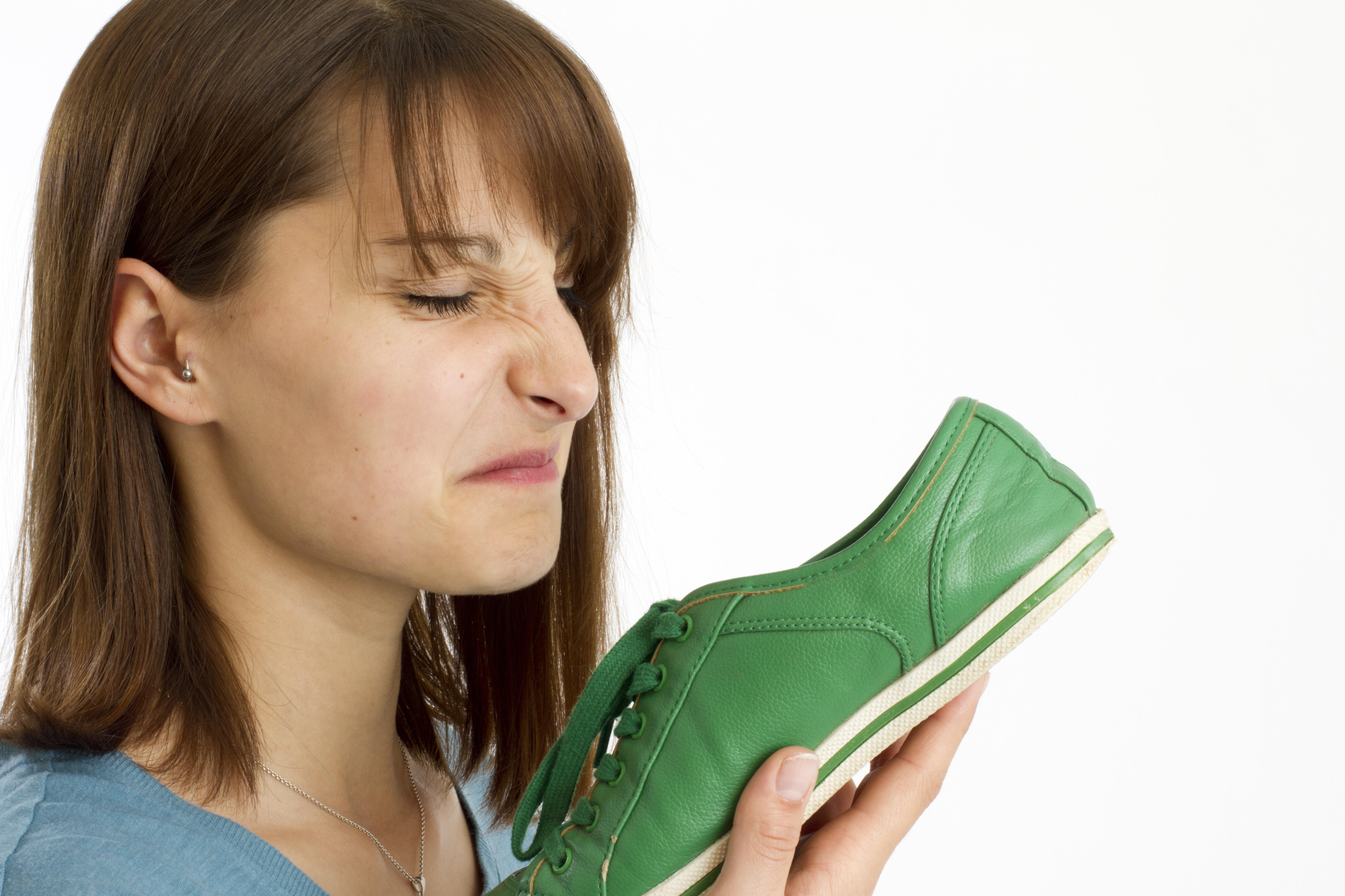 Schweißfüße – Ursachen und wirksame Behandlung Hboqi
