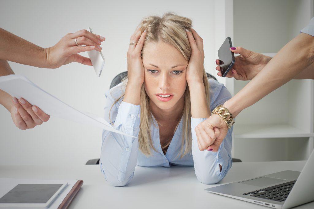 Stress steht bei vielen Betroffenen in engem Zusammenhang mit dem Auftreten der Beschwerden. (Bild: Kaspars Grinvalds/fotolia.com)