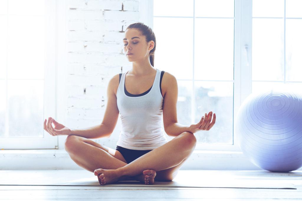 Yoga wird Patienten mit RDS häufig empfohlen, da dies den Stressabbau fördert und die Körperwahrnehmung positive beeinflusst. (Bild: gstockstudio/fotolia.com)