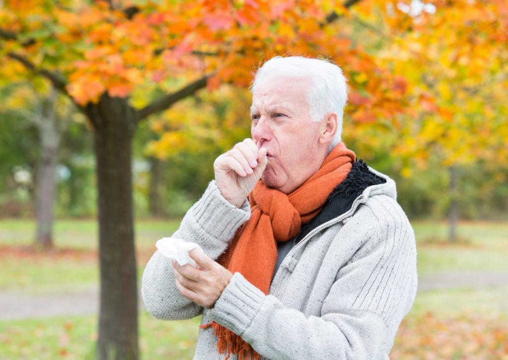 Husten ist ein natürlicher Reflex, der dazu dient, die Atemwege schnellstmöglich von Fremdkörpern oder Krankheitserregern zu befreien. (Bild: drubig-photo/fotolia.com)