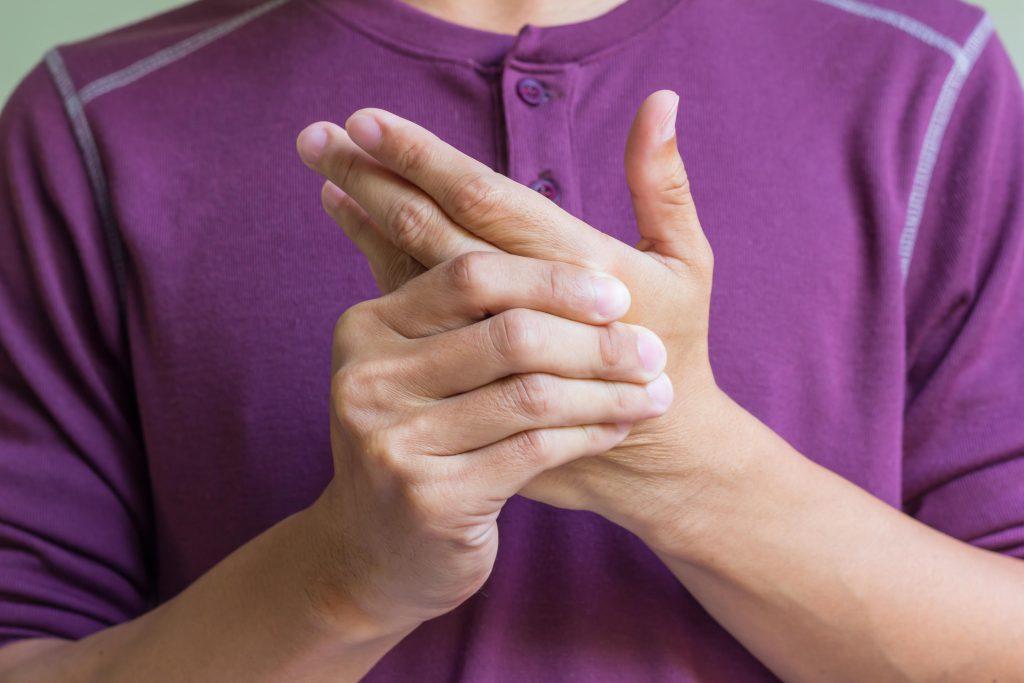 schmerzen im linken kleinen finger