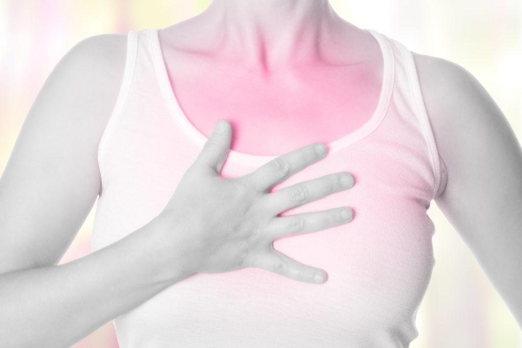 Schmerzen in der Brust - schwarz wei