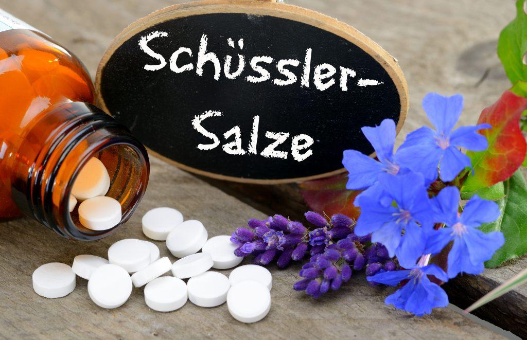 Mithilfe von Schüssler Salzen können Halschmerzen auf ganz natürliche Weise behandelt werden. (Bild: Gerhard Seybert/fotolia.com)