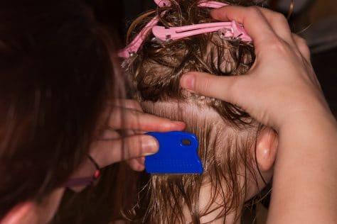 Kopfjucken Juckende Kopfhaut Ursachen Behandlung Und Hausmittel