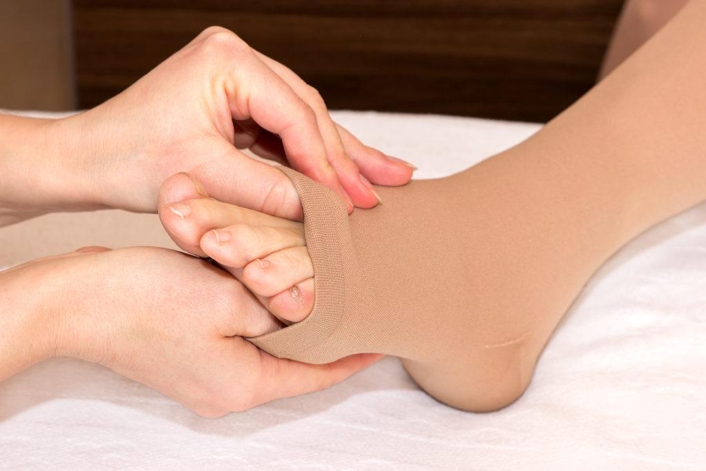 Eine häufige Ursachen für Schmerzen an den Venen ist die Venenentzündung. Bild: tibanna79 - fotolia