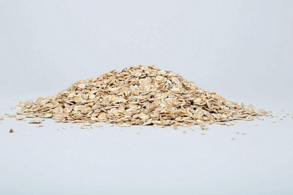 Reichern Sie ihr Müsli mit  Flocken aus Buchweizen an, denn diese fördern den Abbau von Glukose. (Bild: Klaus Eppele/fotolia.com)