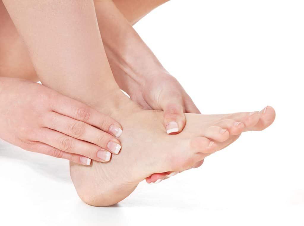 Brennende Füße Fußbrennen Ursachen Behandlung Und Hausmittel