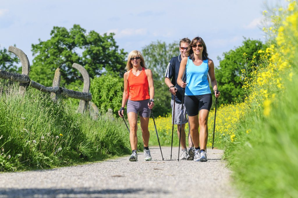 Bei Kreislaufbeschwerden ist regelmäßige Bewegung und viel frische Luft besonders wichtig. (Bild: ARochau/fotolia.com)