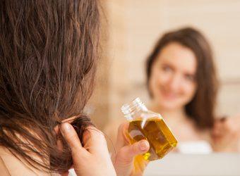 Ölkuren versorgen das strapazierte Haar mit Feuchtigkeit, bringen Geschmeidigkeit und Glanz zurück. (Bild: zest_marina/fotolia.com)