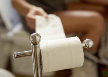 Es gibt viele bewährte Hausmittel, die auf natürliche Weise das Abführen erleichtern. (Bild: nito/fotolia.com)