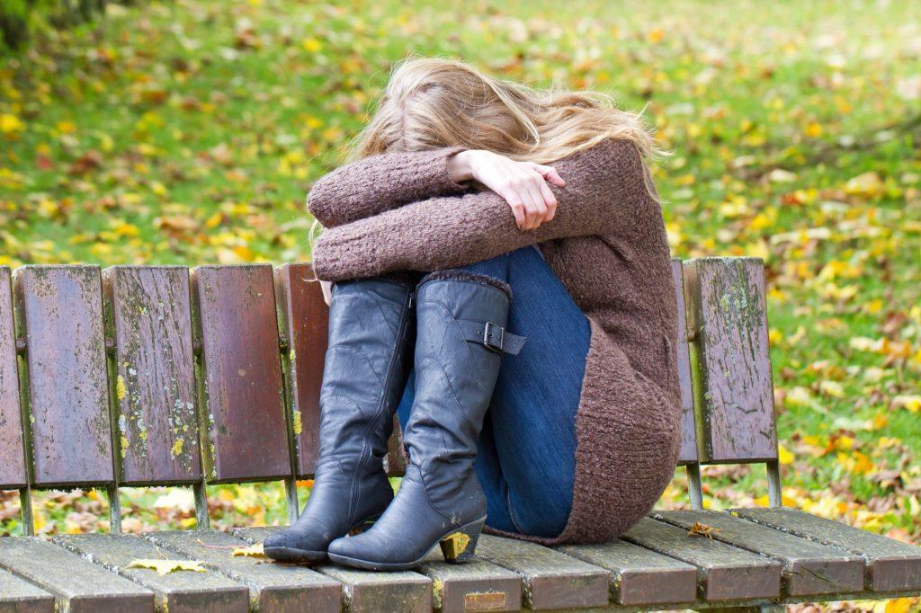 Ein Burn-Out kann in Depressionen münden, wenn nicht rechtzeitig Warnhinweise beachtet werden. (Bild: Jürgen Fälchle/fotolia)