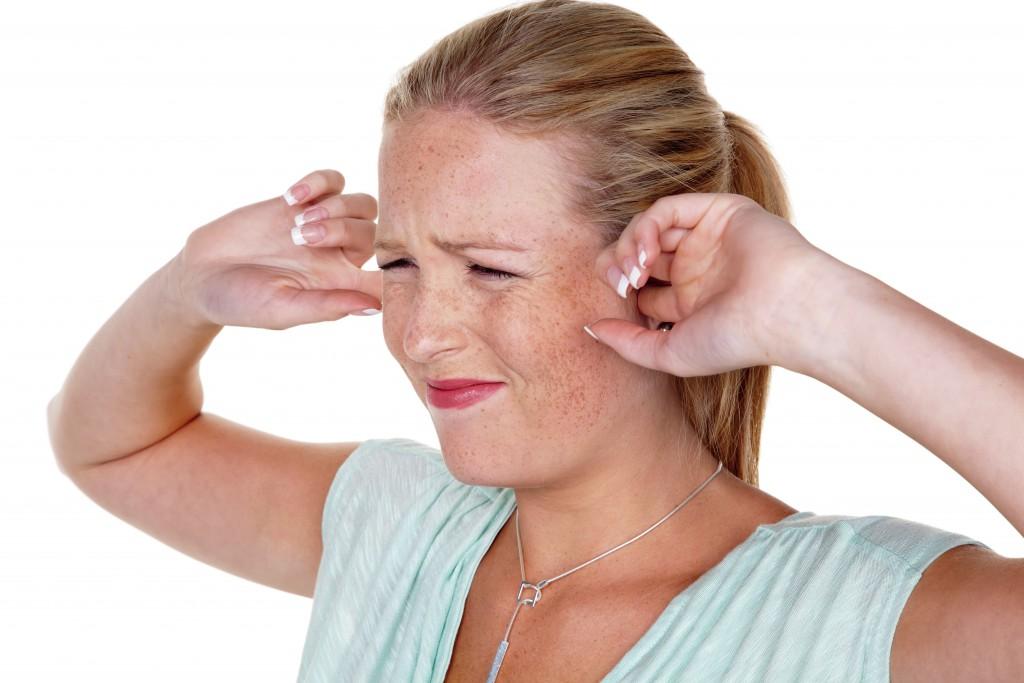 Wenn bereits leise Geräusche Schmerzen bereiten. (Bild: Gina Sanders/fotolia)