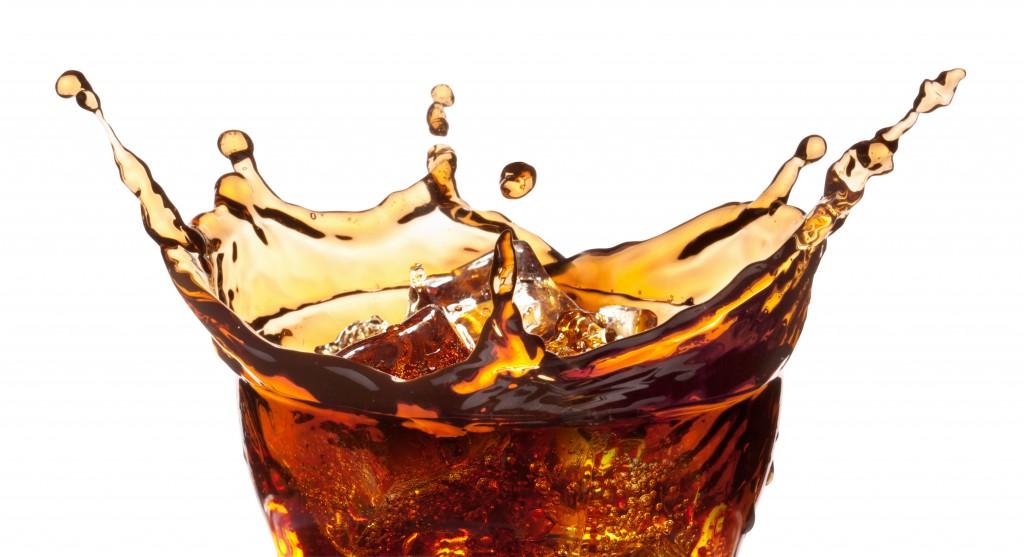 Stevia Cola soll nach Angaben von Verbraucherschützern immer noch viel Zucker enthalten. Bild: Juri Samsonov/fotolia