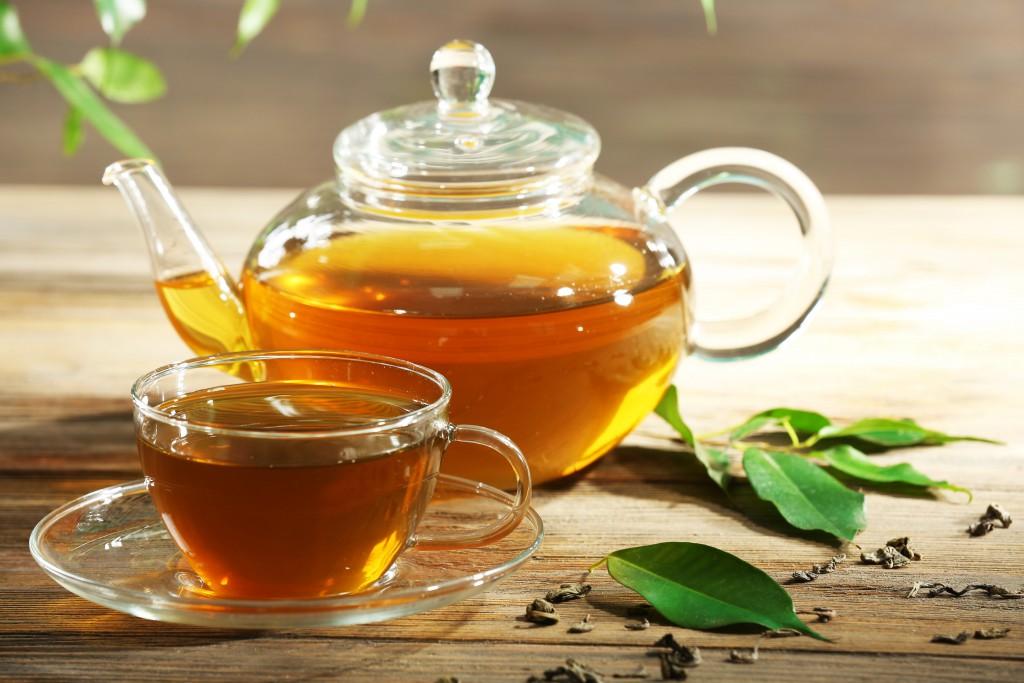 Grüner Tee ist ein wahres Wundermittel der Natur. Er kann unser Leben verlängern. (Bild: Africa Studio/fotolia)