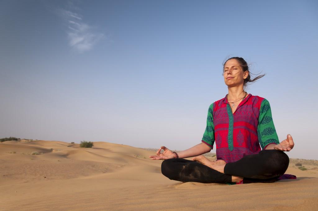 Yoga lässt Körper und Geist entspannen.