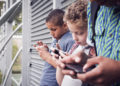 Kinder werden durch die übermäßige Smartphone- und Tablet-Nutzung in ihrer geistigen Entwicklung beeinträchtigt. (Bild: bramgino - fotolia)