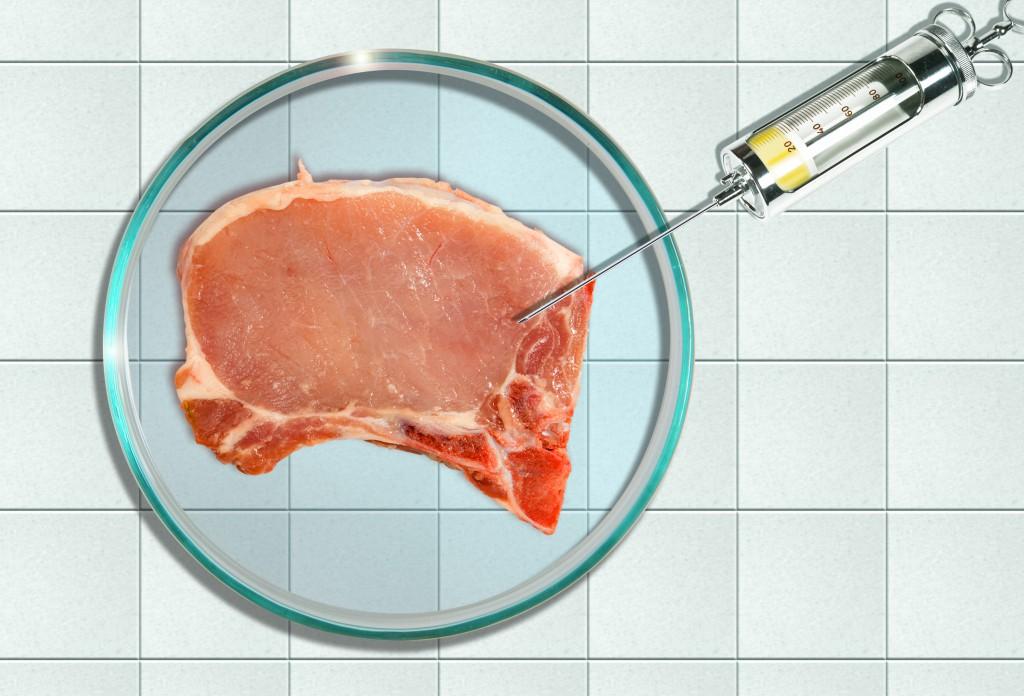 Ökotest fand vor allem Gammelfleisch in mariniertem Grillfleisch aus dem Supermarkt. Bild: artfocus - fotolia