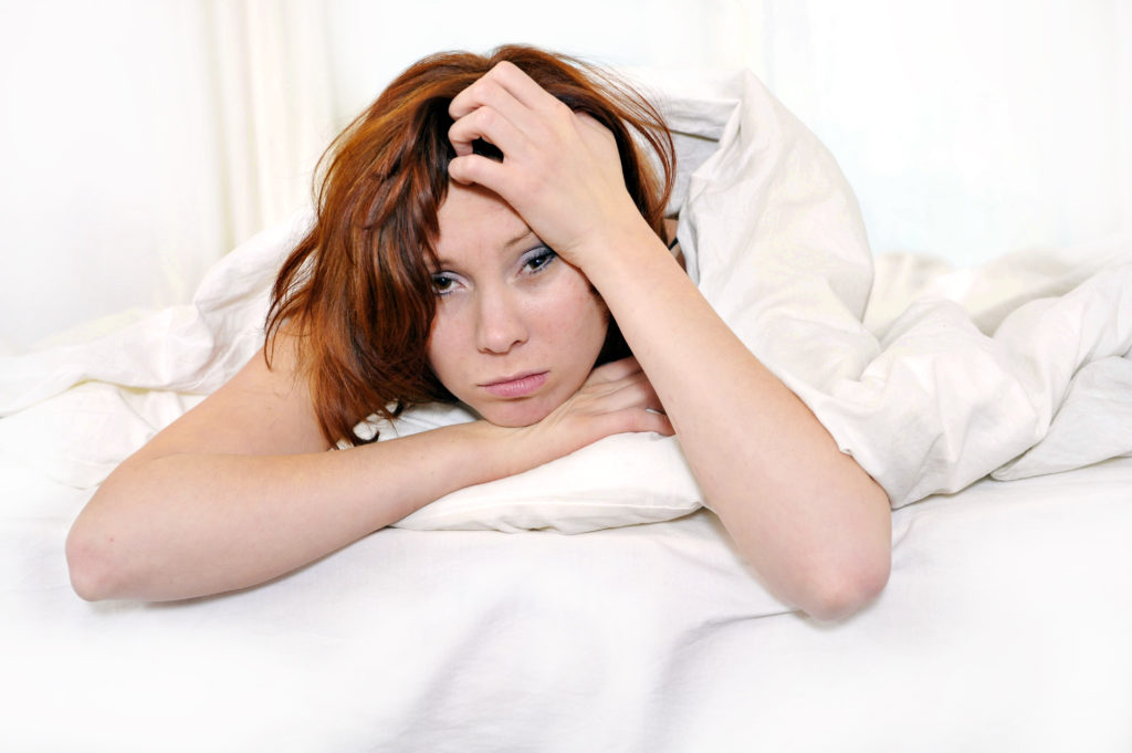 Kopfschmerzen, starker Durst, Müdigkeit und Schwindel sind die Leitsymptome bei einem sogenannten Kater. (Bild: Focus Pocus LTD/fotolia.com)