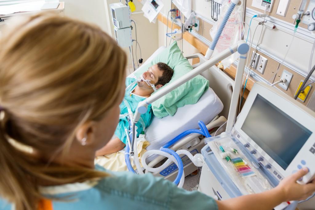 Zu viel Stress und Lärm für Patienten auf der Intensivstation. Das soll sich ändern. (Bild: Tyler Olson - fotolia)
