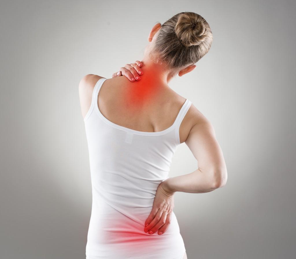 Rückenschmerzen können auch von Nieren ausgelöst sein. Bild: Stasique - fotolia