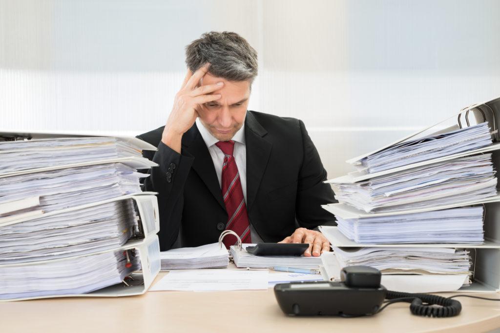 Die wöchentlichen Arbeitszeiten haben einen erheblichen Einfluss auf die Gesundheit. (Bild: Andrey Popov/fotolia.com)