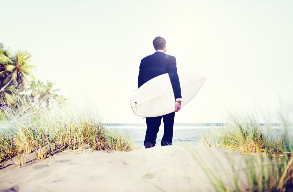 Die Erholung des Urlaubs ist mit Arbeitsbeginn oft schnell dahin. (Bild: Rawpixel/fotolia.com)