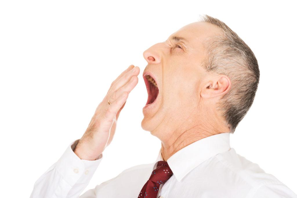 Gähnen wirkt auf die meisten Menschen ansteckend, doch nicht auf Psychopathen. (Bild: Piotr Marcinski/fotolia.com)
