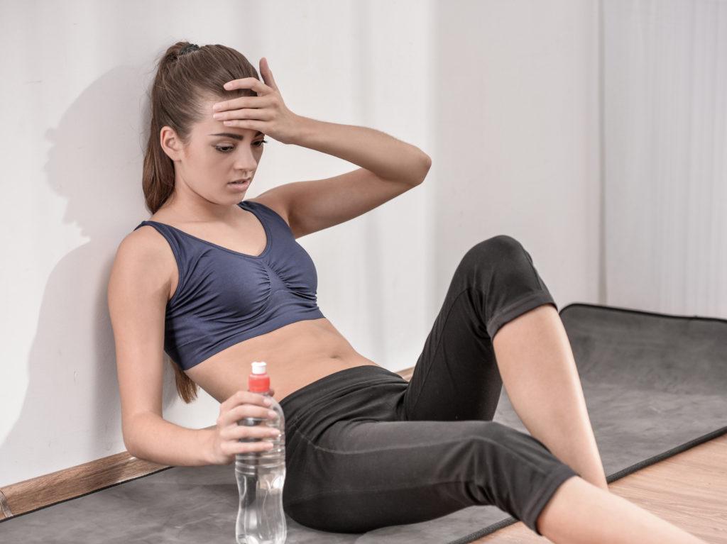 Bei einem alkohol-bedingten Kater ist Sport keine gute Idee. (Bild: georgerudy/fotolia.com)