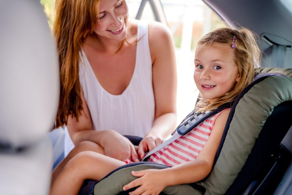 Der richtige Kindersitz, der korrekte Einbau und die Sitzposition  sind für die Sicherheit der Kinder im Auto entscheidend. (Bild: detailblick-foto/fotolia.com)
