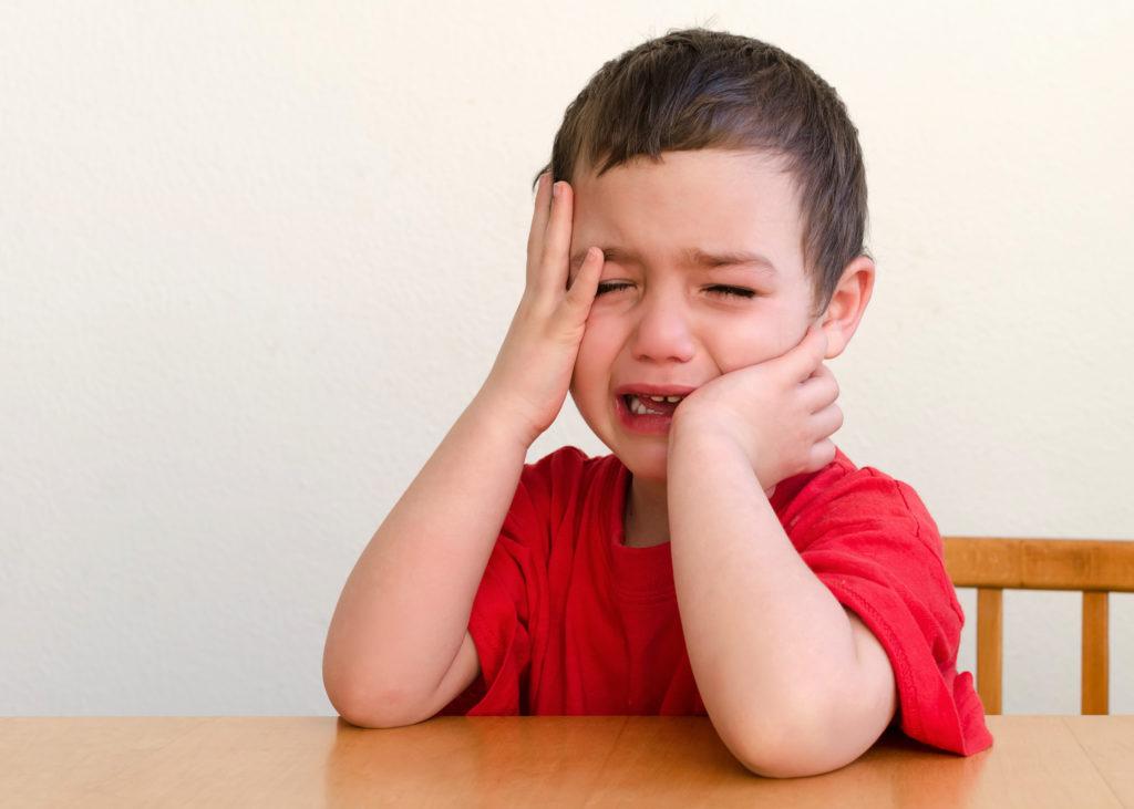 Den meisten Kindern fällt der Abschied von der Kita sehr schwer. Diese Tipps können dabei helfen, die Trauer zu mildern. Bild: Pavla Zakova - fotolia