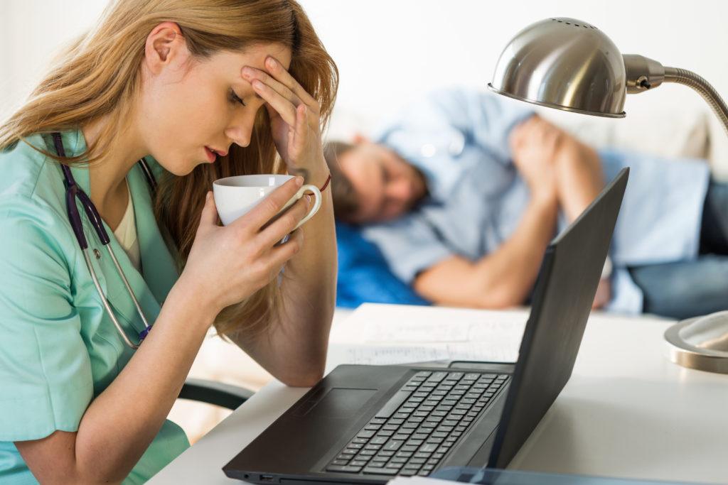 Schlafkrankheit durch Schweinegrippe-Impfung. Bild: Photographee.eu - fotolia