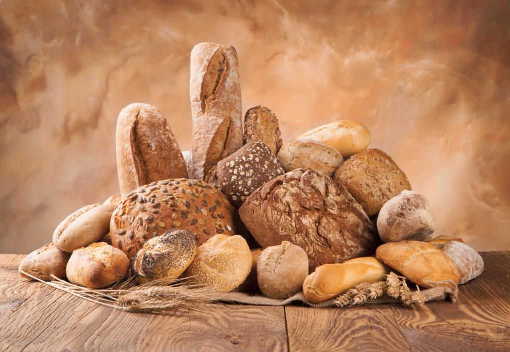 Brot und Brötchen sollten getrennt aufbewahrt werden. (Bild: Jag_cz/fotolia.com)