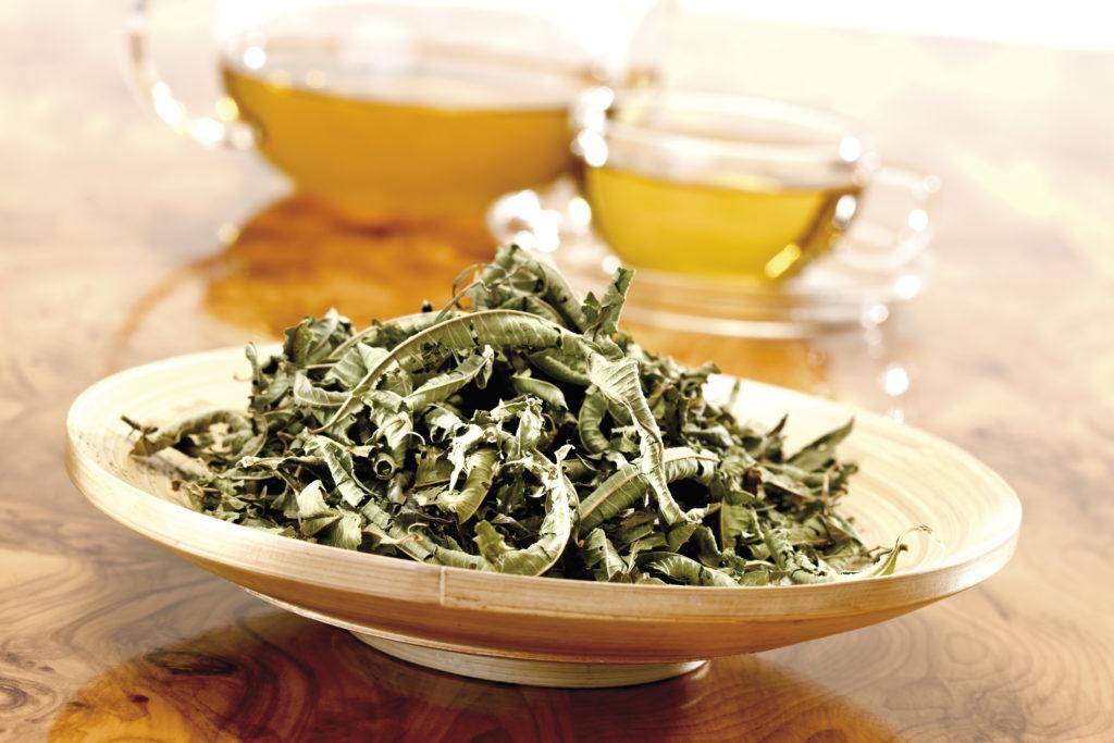Eisenkraut ist gut für die Zubereitung von Teemischungen geeignet. (Bild: tunedin/fotolia.com)