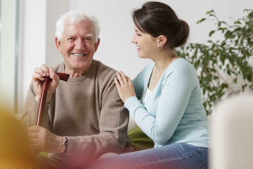 Die Pfelge Angehöriger ist ot mit sozialen Nachteilen für die Pflegenden verbunden. (Bild: Photographee.eu/fotolia.com)