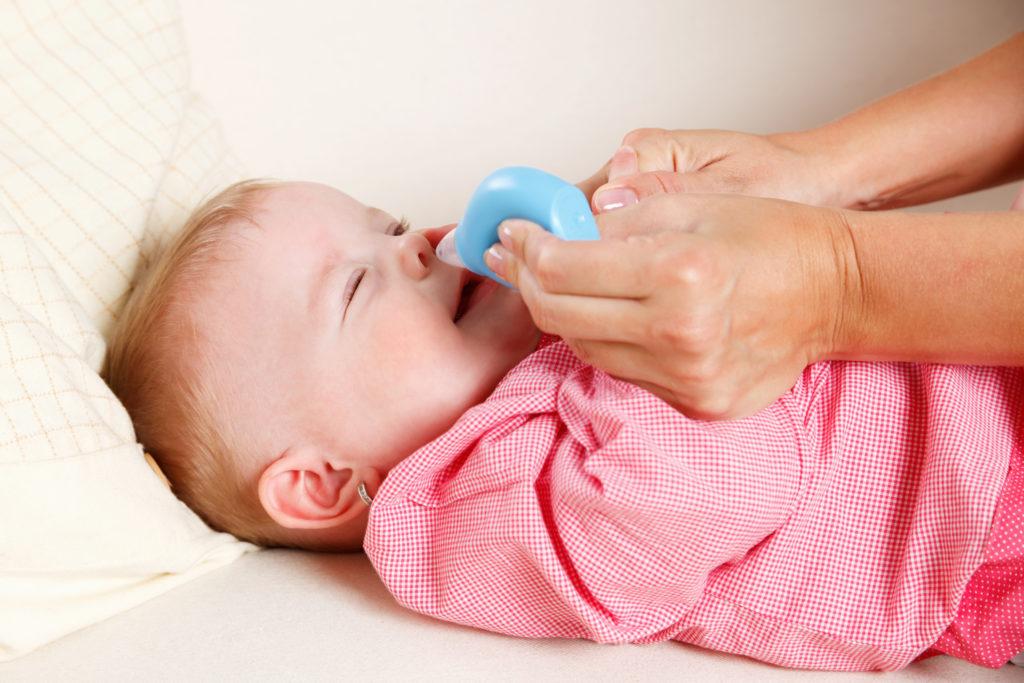 Mit jedem Schnupfen verändert sich die Nasenflora bei Babys. (Bild: Imcsike/fotolia.com)