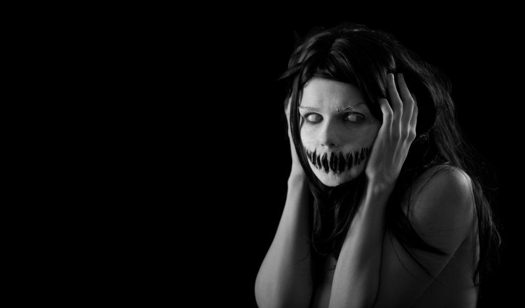 Auch die moderne Vorstellung von Zombies lässt Zusammenhänge mit dem haitianischen Glauben erkennen. (Bild: Elisanth/fotolia.com)