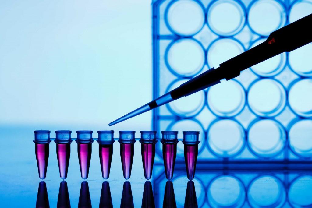 Umstrittenes Medikament kann laut einer Studie vor HIV schützen. Bild: science photo - fotolia