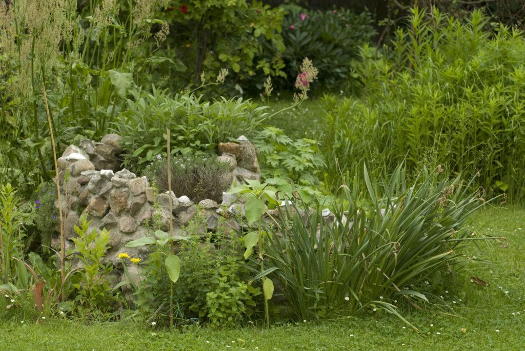 So kann eine Kräuterspirale bepflanze aussehen. (Bild: FRÜH/fotolia.com)