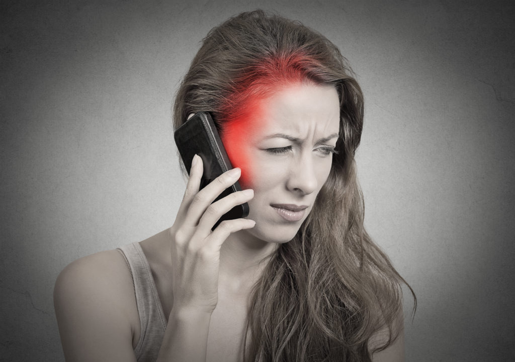 Handys und Arbeitsbelastung sind oftmals Ursache für Stress. (Bild: pathdoc/fotolia.com)