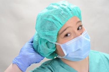 Die medizinische Schutzkleidung erfüllt oftmals nicht ihren Zweck. (Bild: Whyona/fotolia.com
