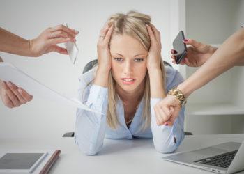 Die Progressive Muskelentspannung ist als Entspannungstechnik bei Stress auf der Arbeit gut geeignet. (Bild: Kaspars Grinvalds/fotolia.com)