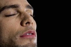 Männer speichern sexuelle Erfahrungen besonders ab und bevorzugen Sex der Nahrung. (Bild: schepers_photography/fotolia.com)