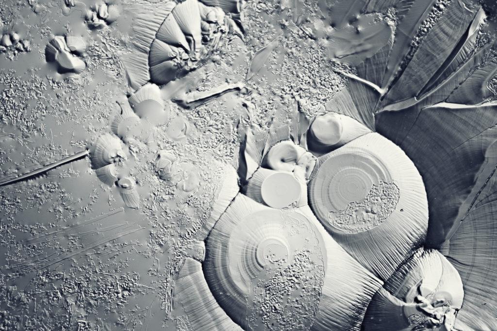 Mit Urzeitbakterien aus dem Permafrostboden vollführt ein russischer Forscher Experimente an sich selbst. (Bild: kichigin19/fotolia.com)