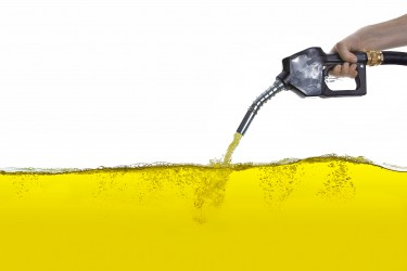 """Viel zu viel Mineralöl in Lebensmittel, sagt die Verbraucherorganisation """"Foodwatch"""". Bild: rcfotostock - fotolia"""