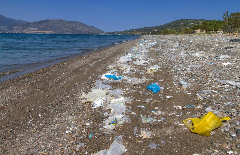 Plastik-Müll in den Meeren. Bild:  kranidi - fotolia