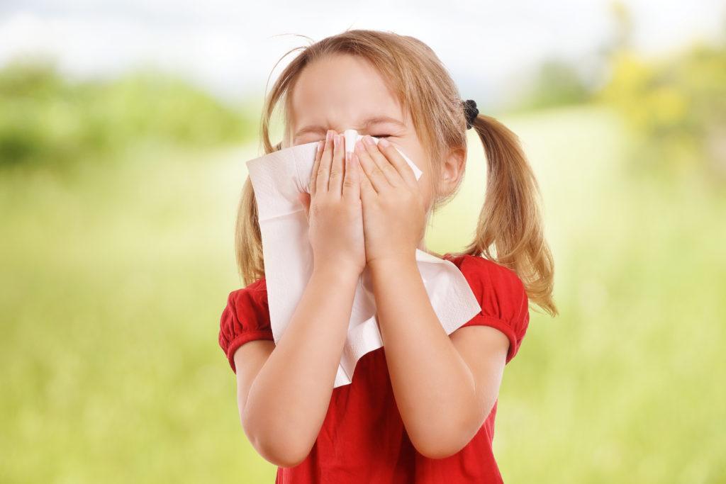 Massives Leiden: Junges Mädchen niest bis zu 12.000 mal pro Tag. Bild: underdogstudios - fotolia