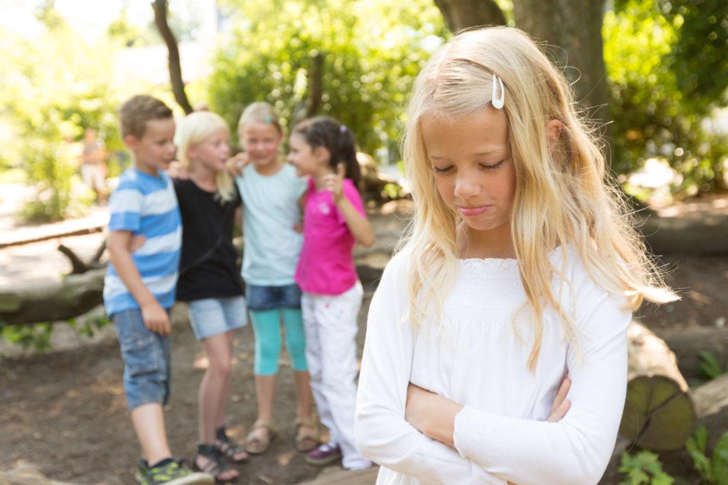 Wenn Kindern stottern, erleben sie häufig Mobbing in der Schule. Bild: Christian Schwier - fotolia