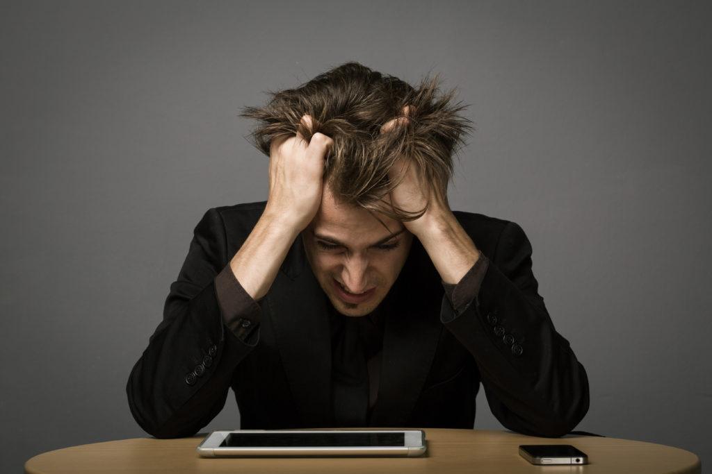 Die Belastungen auf der Arbeit können psychich krank machen. (Bild: Amir Kaljikovic/fotolia.com)