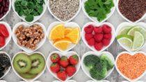 Für eine gesunde Ernährung müssen die Lebensmittel nicht zwangsweise biolgisch angebaut werden. (Bild: marilyn barbone/fotolia.com)