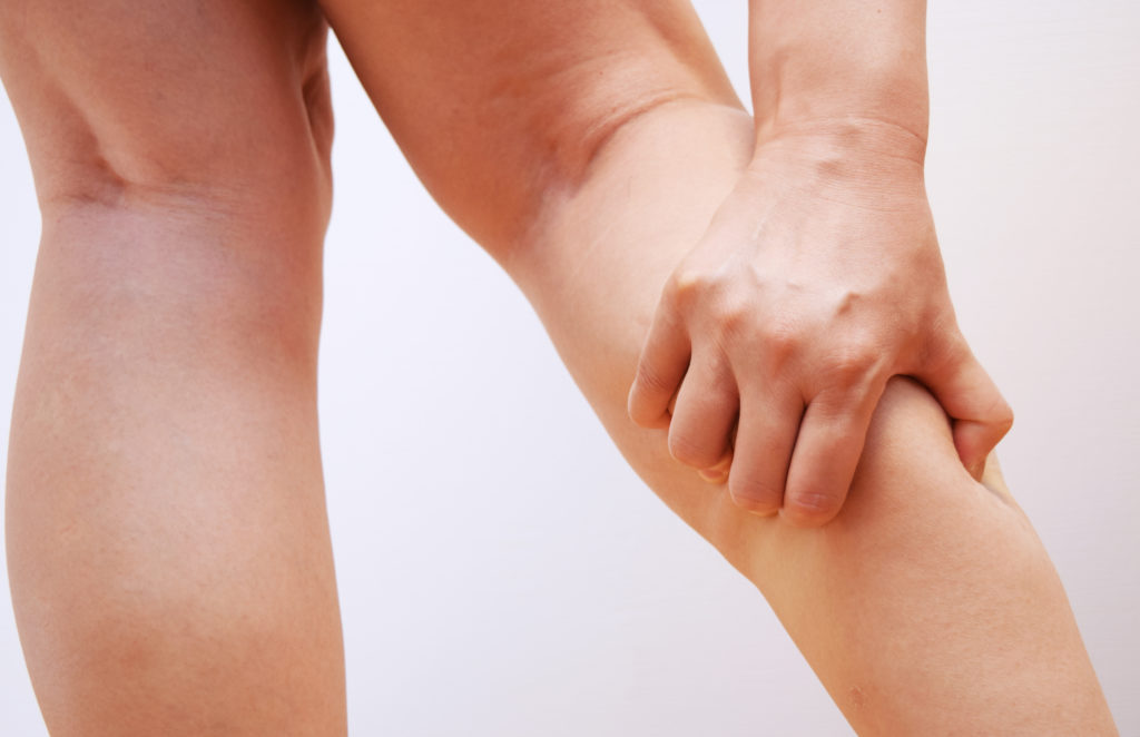 Austretende lymphflüssigkeit am bein